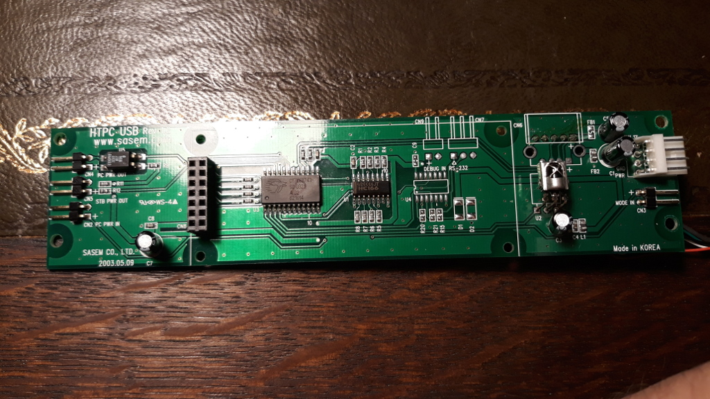 Main board with the CY7C63743 usb microcontroller